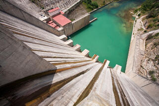 Threat - Hydropower dams block migration routes & natural flow of water sediment & nutrients © Global Warming Images_WWF